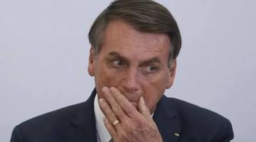 Bolsonaro recua e revoga trecho de MP que previa suspensão de contratos de trabalho por 4 meses