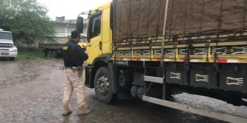 Motorista foi autuado em quase R$12 mil pela infração constatada após a pesagem