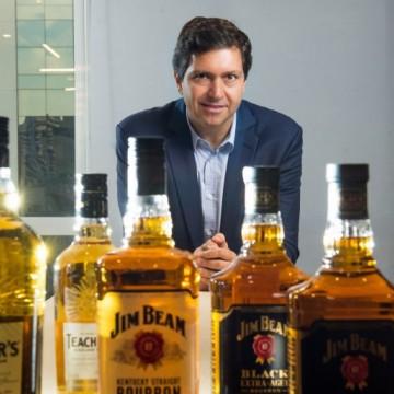 Beam Suntory quer vender 4 milhões de doses de whisky no São João de Pernambuco