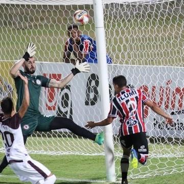 Em jogo marcado por duas viradas, Santa Cruz e Jacuipense empatam no Arruda