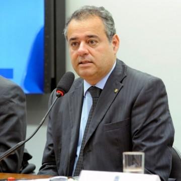 Projeto de Danilo Cabral susta medida do governo no SUAS