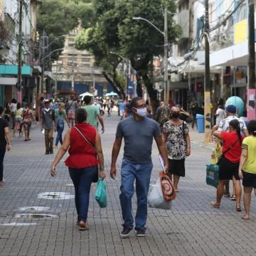 Uma em cada três pessoas já foi ao comércio ou retomou a rotina de visita aos familiares, aponta pesquisa