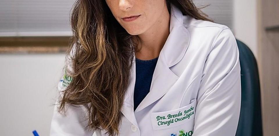 Julho é o mês de comemoração do Dia do Cirurgião Oncológico