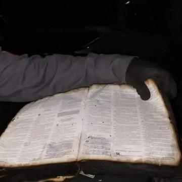 Casa é destruída por incêndio e Bíblia fica intacta em Santa Cruz do Capibaribe