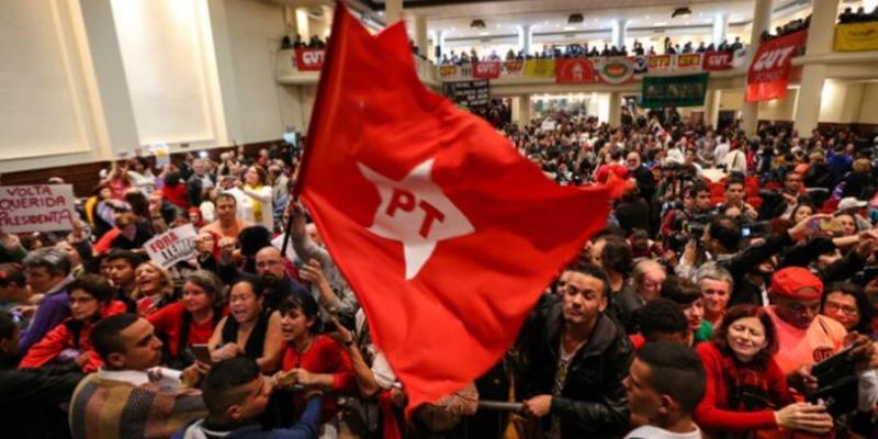 Presidente do PT Recife, Cirilo Mota apresentou a resolução aprovada em reunião executiva municipal
