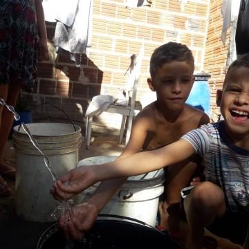 Gestão comunitária leva água para mais de mil famílias rurais no município de Buíque