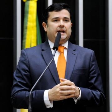 """""""O mais importante é a gente mobilizar o Congresso Nacional para que as vacinas cheguem"""", diz Eduardo da Fonte"""