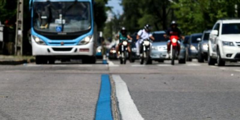 O novo corredor exclusivo vai funcionar na pista central da avenida, em ambos os sentidos, no trecho entre o viaduto da avenida João de Barros e a rua do Paissandu