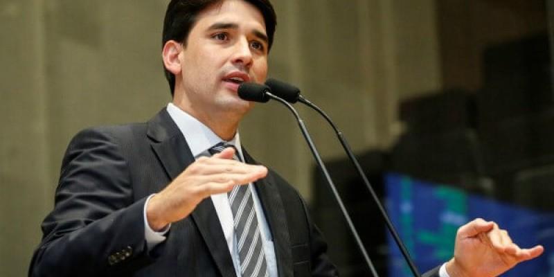 Parlamentar destaca preocupação com o momento atual do país, sobretudo, no âmbito da economia