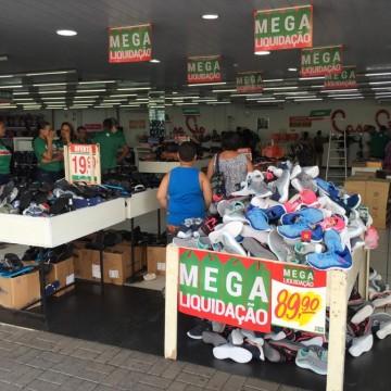 Comércio e centro de compras iniciam as promoções de início de ano