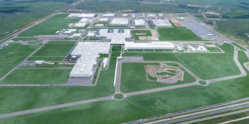 Recursos serão utilizados para inaugurar um novo terminal logístico e uma usina de geração de energia solar para abastecer a fábrica da Jeep