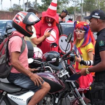 Recife realiza ação para encerramento da Semana Nacional do Trânsito
