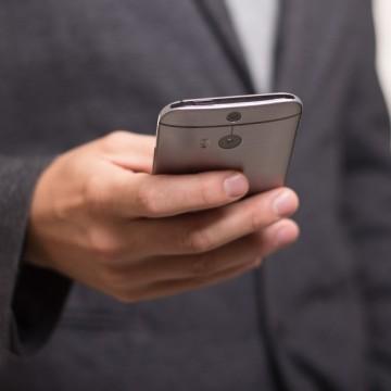 Invasão a celulares de deputados é investigada