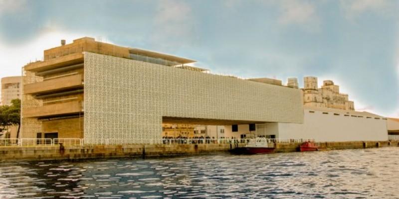 Nesta terça-feira (8) tem a live Papo de Museu, com a arte-educadora Arina Nuala, que vai falar sobre o papel da arte nos museus e do legado do pintor Murilo La Greca