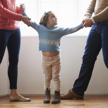 Nas férias, pais divorciados devem dividir as atividades com as crianças, afirma advogada