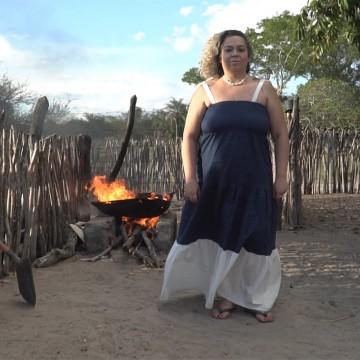 Cantora caruaruense lança nesta sexta um curta-clipe gravado no Vale do Catimbau
