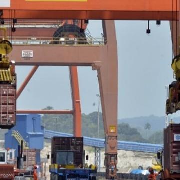 Ministério suspende licenças de importação para 210 produtos