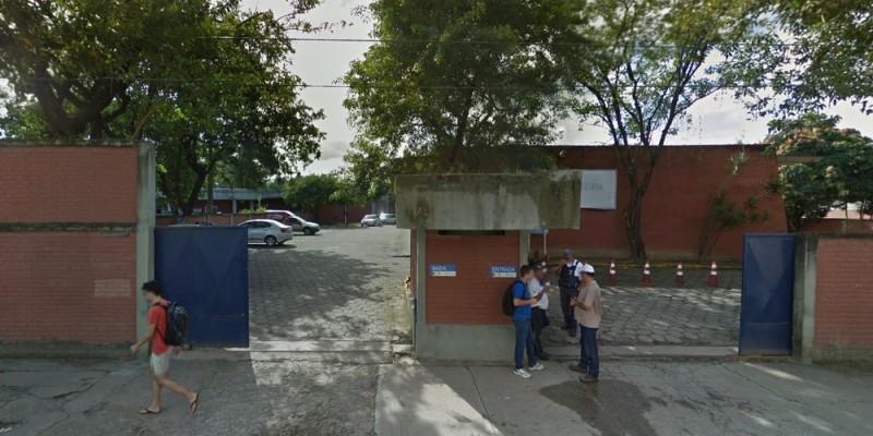Uma equipe fica de plantão na sede da Autarquia, no bairro da Iputinga, Zona Oeste do Recife, para atender a demandas emergenciais, que são analisadas caso a caso