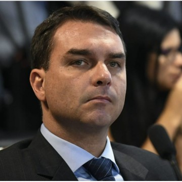 Ministério Público do Rio de Janeiro, aponta Flávio Bolsonaro em suposto esquema de corrupção