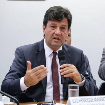 Mandetta diz que tem interesse em ajudar o Brasil, mas não pretende votar nem em Lula nem em Bolsonaro em 2022