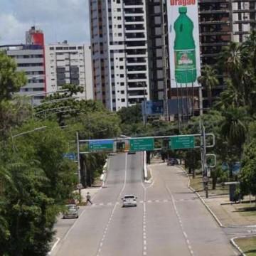 PE atingiu maior isolamento do Brasil no sábado, diz governador