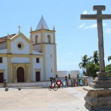 Olindenses e turistas podem contemplar Cruzeiro do Alto da Sé