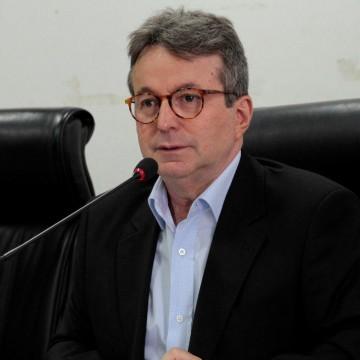 João da Costa faz apelo ao governador para isentar motoristas de app do rodízio