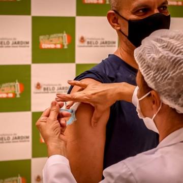 Belo Jardim realiza plantão de vacinação para segunda dose de CoronaVac nesta sexta-feira (14)