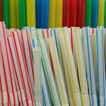 Projeto proíbe fornecimento de canudos plásticos em Pernambuco