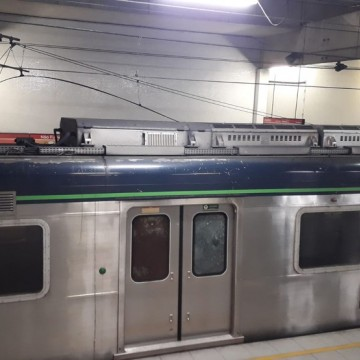 Senhora é encontrada entre os trilhos do Metrô do Recife