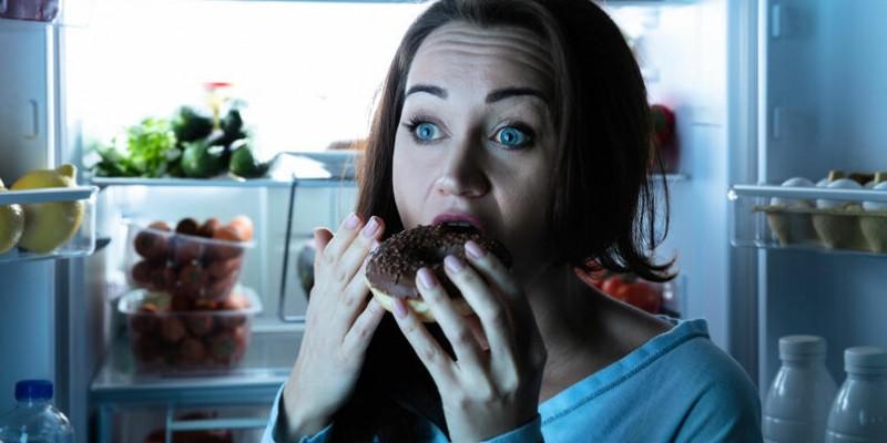 O transtorno provoca uma vontade incontrolável de comer, mesmo quando não se sente fome