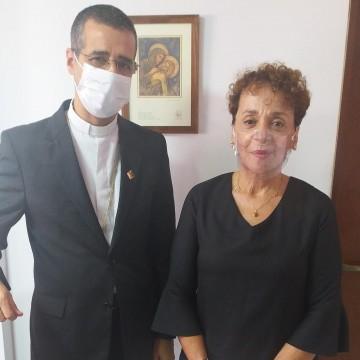 Laura Gomes tem reunião estratégica com Bispo de Caruaru