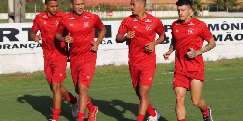 Apenas o atacante Odilávio, que estava disputando a Série B pelo Figueirense, não estará na reapresentação