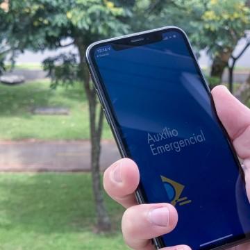 Caixa paga auxílio emergencial neste domingo (3)