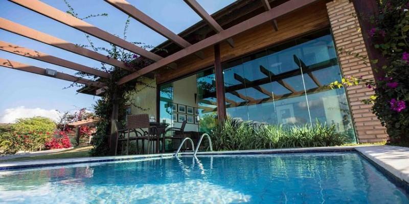 De acordo com Associação Brasileira da Indústria de Hotéis, a ABIH PE, a taxa de ocupação no balneário ficou em 70%. No Recife, a ocupação de leitos girou em torno dos 40%