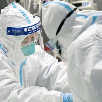 Covid-19: Estado vai remanejar mais de mil médicos