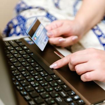 Comércio eletrônico ganha 4 milhões de novos clientes em meio à pandemia, aponta estudo