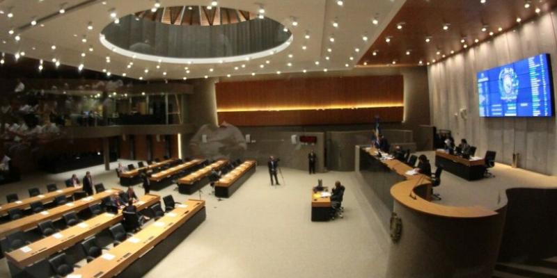 Comissão especial que debate o regimento interno da casa discute sugestões dos parlamentares