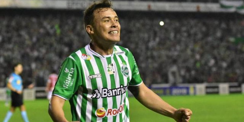 O time gaúcho goleou a equipe do Maranhão pelo placar de 4x0 e também garantiu acesso para Série B