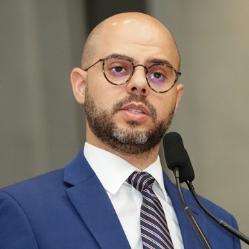 Romero Sales Filho critica Compesa pela falta de água nos municípios