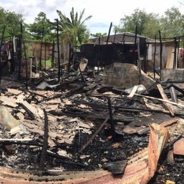 Incêndio atinge comunidade no Barro e destrói, pelo menos, 15 residências