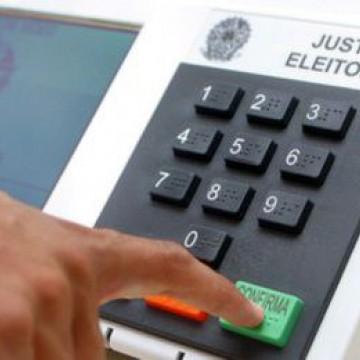 Conferindo o local de votação