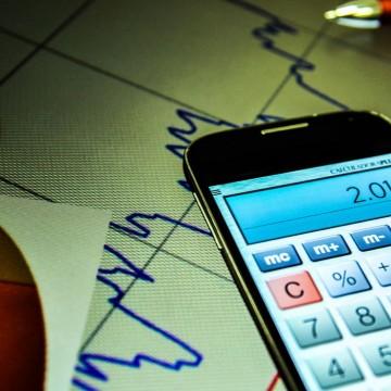 CMN proíbe aumento de remuneração de administradores financeiros