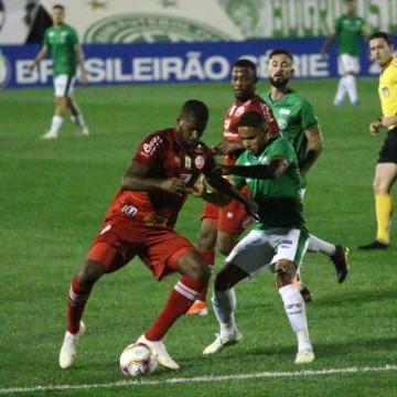 Com gol no final, Náutico vira e conquista primeira vitória na série B do Brasileiro