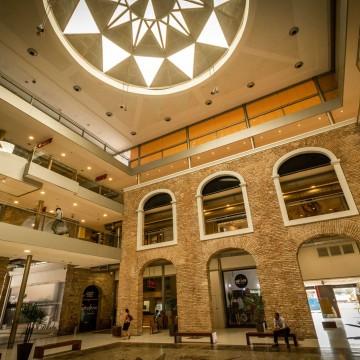 Governo nega pedido, e shoppings centers seguem fechados em PE