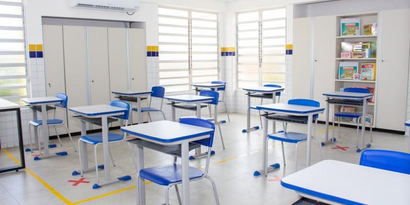 O retorno será dividido em etapas e começa logo após o recesso escolar
