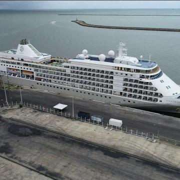 Navio permanece atracado no Porto do Recife após ter caso confirmado de Covid-19