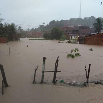 Cresce número de desalojados em Barreiros por conta das chuvas
