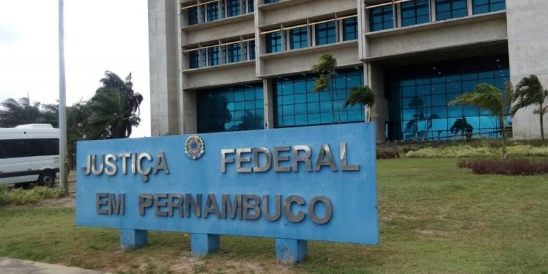 Justiça Federal em Pernambuco suspendeu extinção de cargos comissionados da UFPE, UFRPE e IFPE
