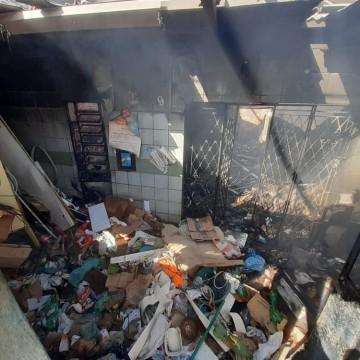 Incêndio atinge casa em Olinda